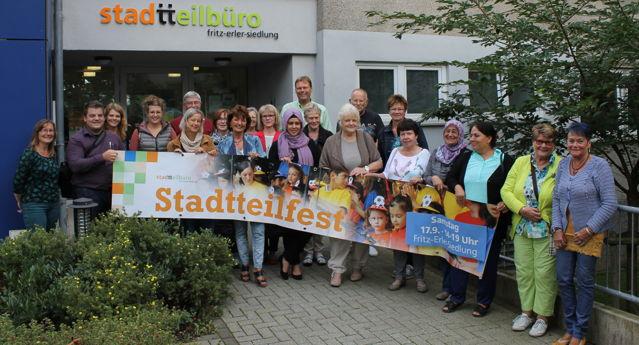 Bühne frei für das 10.Stadtteilfest in der Fritz-Erler-Siedlung. (Foto: Henning Beier)
