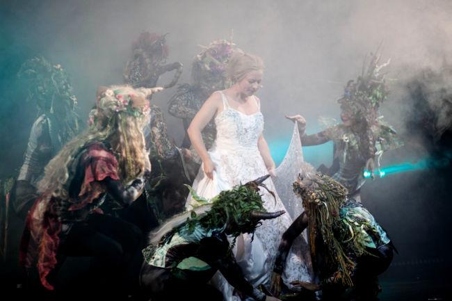 2016-12-28_siegen_apollo-theater_cinderella_lene-dax-und-statisterie_c-cilla-schuetze